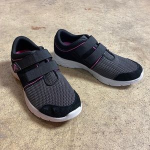Vionic Ema Adjustable Strap Slip On Sneaker 38 / 7